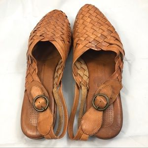0be8ef266fe5 Vintage Shoes - Vintage 90s Leather Woven Mules 9